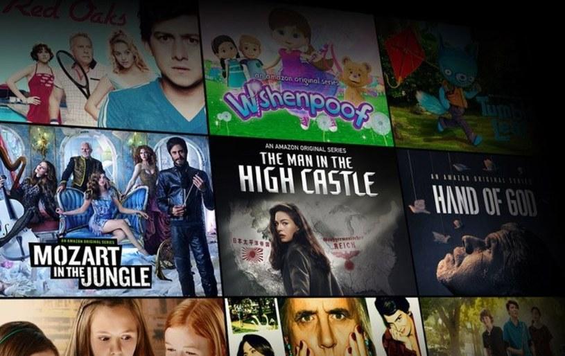 """Firma Amazon ogłosiła dziś, że usługa Prime Video jest już dostępna w ponad 200 państwach i regionach świata, w tym Polsce. W ofercie serwisu znajdują się m.in.  """"The Grand Tour"""", w którym występuje Jeremy Clarkson, Richard Hammond i James May oraz wielokrotnie nagradzane oryginalne produkcje Amazona: """"The Man in the High Castle"""", """"Transparent"""", """"Mozart in the Jungle"""" i """"Tumble Leaf""""."""