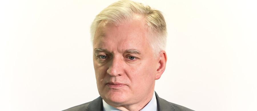 Jarosław Gowin - minister sprawiedliwości w rządzie PO-PSL, a dziś wicepremier, minister nauki i szkolnictwa wyższego - zostanie przesłuchany w czwartek przed komisją śledczą ds. Amber Gold. Gowin kierował resortem sprawiedliwości, gdy wybuchła afera związana z tą spółką.