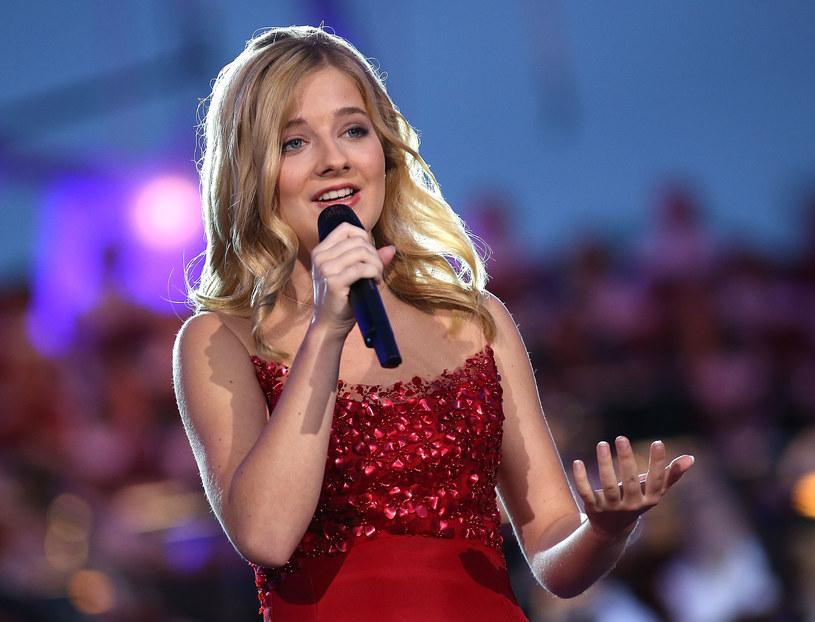 16-letnia obecnie pop-operowa wokalistka Jackie Evancho ujawniła, że zaśpiewa amerykański hymn podczas inauguracji prezydentury Donalda Trumpa.