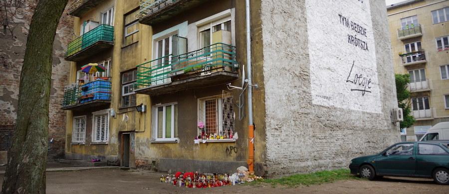 W Warszawie ruszył proces Magdaleny M., oskarżonej o potrójne morderstwo przy ul. Stalowej na stołecznej Pradze. Kobieta przyznała się do zabicia przed rokiem swojej koleżanki i dwójki jej dzieci: ośmioletniej dziewczynki i rocznego chłopca. Grozi jej dożywocie.