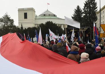 Przyszły tydzień w polityce: Kryzys sejmowy, zmiana warty w TK, protesty przeciwko reformie oświaty