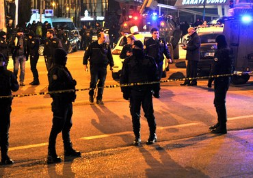 Strzały przed ambasadą USA w Ankarze. Amerykanie zamykają placówki w Turcji