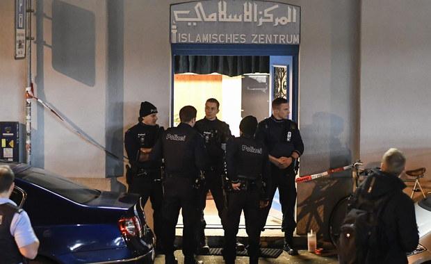 Nie żyje napastnik, który wczoraj w meczecie niedaleko głównego dworca kolejowego w Zurychu postrzelił trzy osoby. Informację podała szwajcarska policja. Sprawca został zidentyfikowany, jednak władze na razie nie ujawniają jego personaliów.