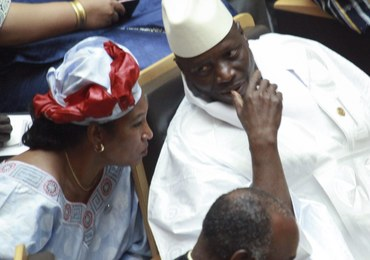"""Przegrał, ale nie ustąpi. Prezydent Gambii mówi o """"nieprawidłowościach"""" i chce nowych wyborów"""