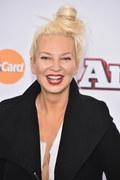 """Sia: """"Cheap Thrills"""" najczęściej wyszukiwanym utworem w Shazam w 2016 roku"""