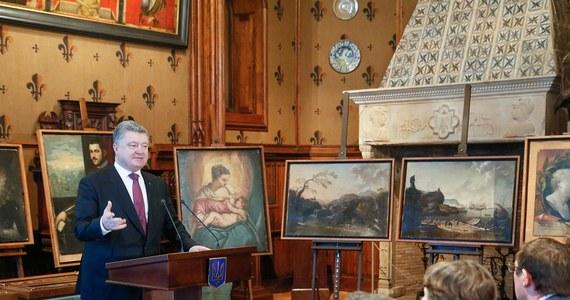 Władze Ukrainy zwróciły 17 obrazów, które skradziono z włoskiego muzeum Castelvecchio w Weronie i które zdaniem ich właściciela po odnalezieniu w okolicach Odessy były zbyt długo przetrzymywane przez władze w Kijowie. Wśród obrazów, których wartość - jak donoszą media - szacowana jest na 15-20 mln euro są dzieła takich artystów, jak Tintoretto i Rubens. Przekazał je stronie włoskiej prezydent Petro Poroszenko, przeciwko któremu muzeum Castelvecchio złożyło w związku z tą sprawą doniesienie do prokuratury. Obrazy odebrał burmistrz Werony, Flavio Tosi.