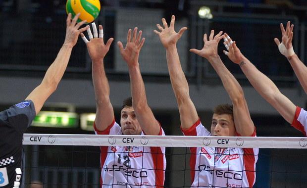 Siatkarze Asseco Resovii Rzeszów wygrali z Berlin Recycling Volleys 3:2 (21:25, 25:15, 23:25, 25:22,15:12) w meczu 2. kolejki grupy B Ligi Mistrzów.