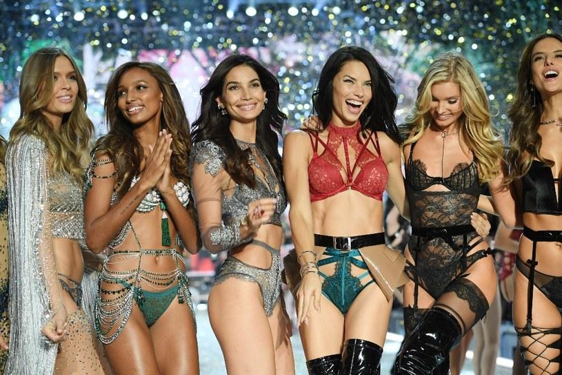 Widowiskowy pokaz Victoria's Secret, który elektryzuje cały świat, będzie można oglądać po raz pierwszy w Polsce. Trzydzieści minut po północy TLC wyemituje spektakularne show, które w tym roku odbyło się w Paryżu. Topowe modelki, muzyczne przeboje w wykonaniu światowych gwiazd oraz niezapomniane wrażenia - taka będzie ta noc.