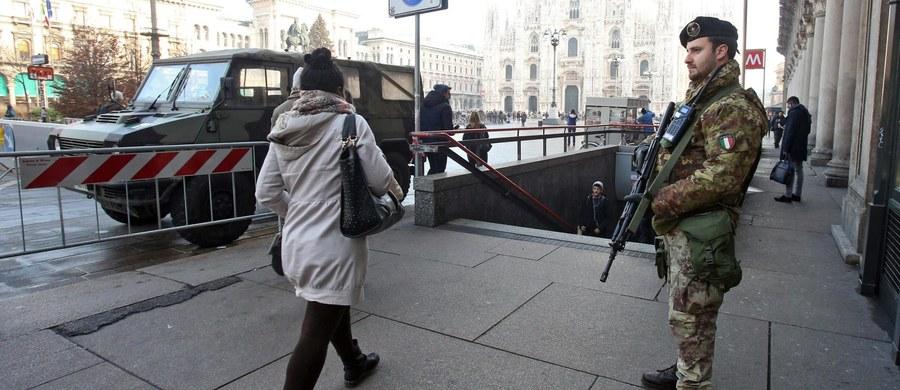 Ponad 7 tysięcy żołnierzy patroluje włoskie miasta w ramach operacji przeciwdziałania zamachom terrorystycznym - takie dane podał w niedzielę szef sztabu obrony generał Claudio Graziano. Dwa tysiące ludzi rozlokowanych jest w Rzymie.