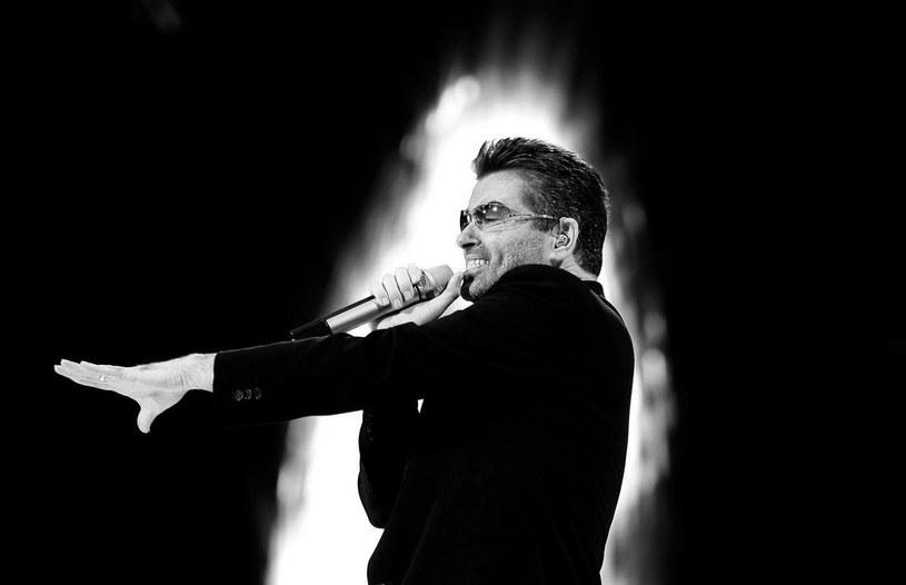 W niedzielę (25 grudnia) zmarł producent i kompozytor, George Michael. Gwiazdy za pośrednictwem mediów społecznościowych wspominają artystę.