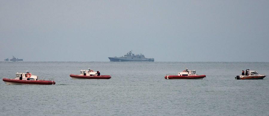 Nurkowie odnaleźli na dnie Morza Czarnego kadłub Tu-154, który rozbił się w niedzielę rano - poinformował Interfax, powołując się na swoje źródła w służbach. Maszyna jest ponoć bardzo zniszczona.