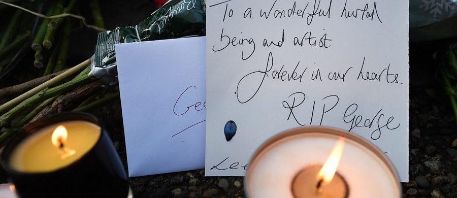 Fani i artyści na całym świecie oddali w poniedziałek hołd zmarłemu dzień wcześniej brytyjskiemu piosenkarzowi George'owi Michaelowi. W tym samym czasie organizacje charytatywne ujawniły, że Michael był mocno zaangażowany w działalność pomocową.