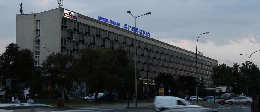 Przełom ws. przyszłości słynnego hotelu Cracovia w Krakowie - jak ustalili reporterzy RMF FM, budynek zostanie kupiony przez ministerstwo kultury, które chce urządzić tam oddział Muzeum Narodowego.