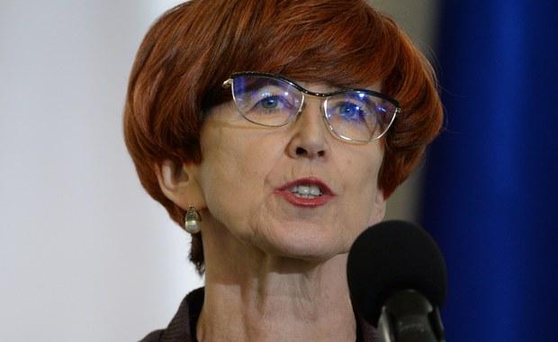 Nie planujemy zmian, jeśli chodzi wysokość świadczenia programu 500+ oraz kryteria jego przyznawania - zapewniła w środę minister rodziny, pracy i polityki społecznej Elżbieta Rafalska.