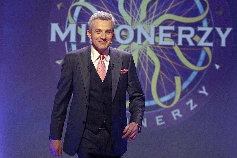 To był prawdziwy hit! Teleturniej, który prowadził Hubert Urbański, przyciągał przed telewizory miliony widzów. Czy powtórzy się ten sukces?