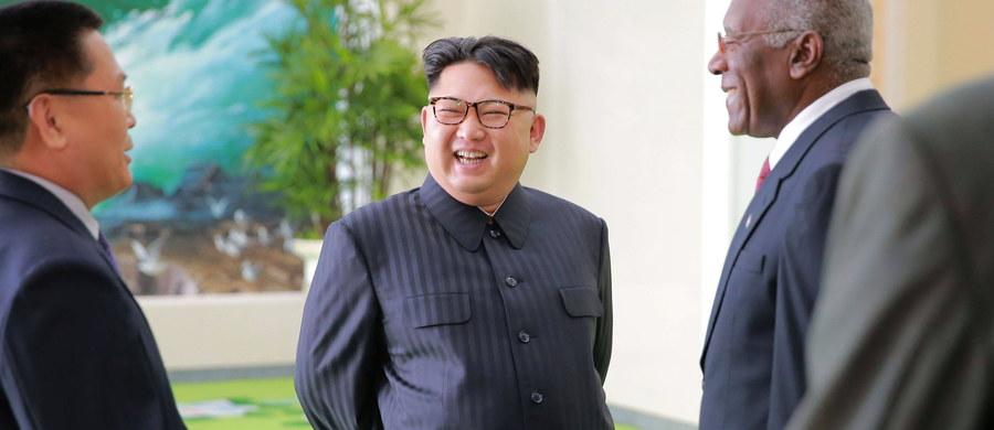 Przywódca komunistycznej Korei Północnej Kim Dzon Un w ciągu ostatnich pięciu lat nakazał wykonanie ponad 340 egzekucji. Karze poddano m.in. 140 wysokiej rangi przedstawicieli rządzącej Partii Pracy Korei oraz armii - poinformował południowokoreański think tank.