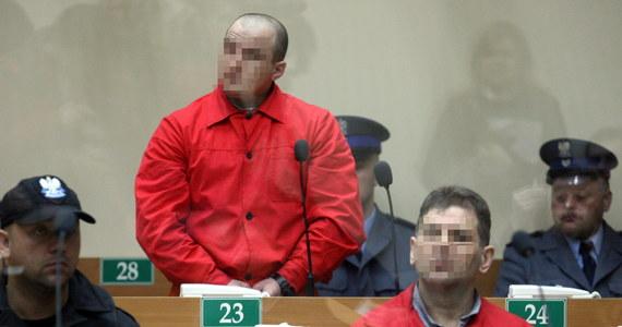 """Krakowski sąd apelacyjny utrzymał kary dożywocia dla Tadeusza G. i Wojciecha W. za zabójstwo pięciu osób i usiłowanie zabicia kolejnych dwóch. Ofiary wywodziły się z kręgu właścicieli, współwłaścicieli i pracowników kantorów. Media określały oskarżonych mianem """"gangu zabójców kantorowców"""". Sprawcy zbrodni najpierw strzelali do ofiar, a dopiero później sprawdzali, czy mają pieniądze."""