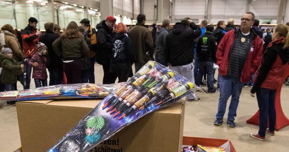 W Holandii trwają zakupy fajerwerków, bo jedynie przez 3 dni przed tą wyjątkową nocą można kupować je legalnie. Sprzedawcy sztucznych ogni spodziewają się zysków na poziomie 67 milionów euro.