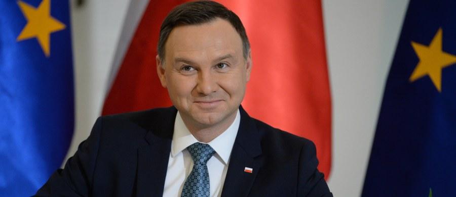 Prezydent Andrzej Duda ma wątpliwości ws. głosowania 16 grudnia nad ustawą budżetową na 2017 r. – mówił w TVN24 szef prezydenckiego biura prasowego Marek Magierowski. Według niego wiele w tej sprawie mogłoby wyjaśnić ujawnienie nagrań z Sali Kolumnowej. Ustawa została przegłosowana 16 grudnia w Sali Kolumnowej Sejmu. Opozycja uznaje to głosowanie za nielegalne.