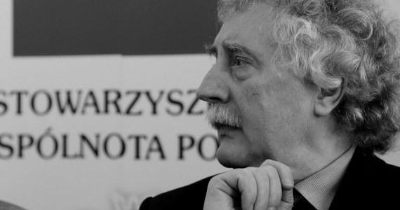 Nie żyje Longin Komołowski, człowiek Solidarności, poseł na Sejm RP, wicepremier w rządzie Jerzego Buzka, prezes Wspólnoty Polskiej - podał w piątek wieczorem na Twitterze Jerzy Polaczek, poseł PiS.