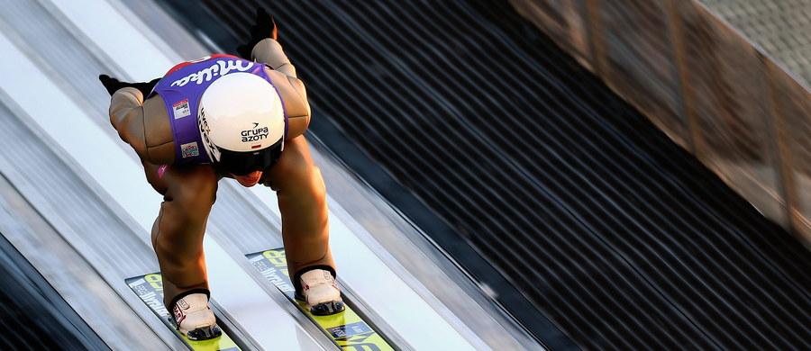 Kamil Stoch zajął drugie miejsce w drugim konkursie Turnieju Czterech Skoczni w niemieckim Garmisch-Partenkirchen i został liderem klasyfikacji generalnej. Zwyciężył prowadzący po pierwszej serii Norweg Daniel Andre Tande. Trzecie miejsce wywalczył Austriak Stefan Kraft, zwycięzca pierwszego konkursu w Oberstdorfie. Piotr Żyła zajął 6. miejsce, siódmy był Maciej Kot, 16. Stefan Hula i 20. Dawid Kubacki.