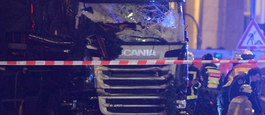 Dzisiaj do Prokuratury Generalnej w Karlsruhe trafi wniosek polskich śledczych o przekazanie wraku ciężarówki, użytej podczas ataku terrorystycznego w Berlinie - dowiedział się reporter RMF FM. Do ataku doszło 19 grudnia w stolicy Niemiec. Zginęło 12 osób, w tym polski kierowca ciężarówki. Wniosek jest już przetłumaczony, zostanie przesłany faksem i pocztą.