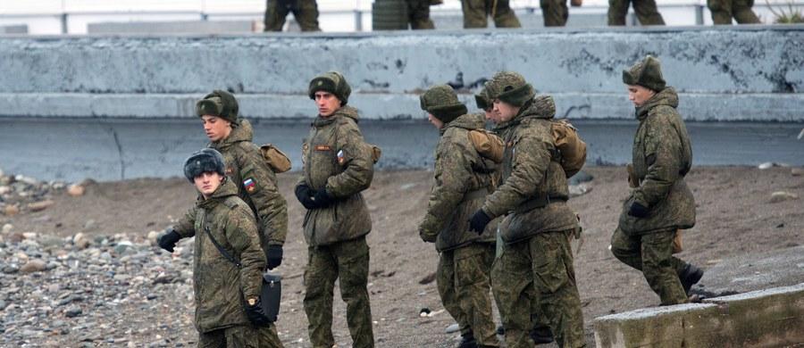 """Członkowie Związku Strzelców Litewskich rozpoczęli ćwiczenia, które mają przygotowywać ich do walki z """"rosyjskim okupantem"""" - poinformował """"New York Times""""."""