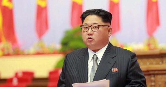 Pentagon zapewnił, że jest w stanie obronić terytorium USA oraz sojuszników przed zagrożeniem ze strony Pjongjangu. To reakcja na oświadczenie władz Korei Północnej w sprawie planów przetestowania międzykontynentalnego pocisku balistycznego .