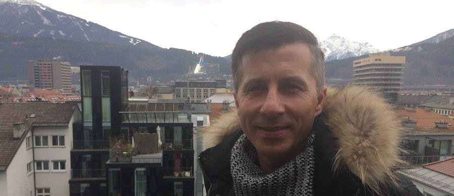 Kiedy Adam Małysz w 2001 roku wygrywał w Innsbrucku konkurs zaliczany do Turnieju Czterech Skoczni, w miejscowym klubie piłkarskim Tirolu Innsbruck występował napastnik Radosław Gilewicz. 10-krotny reprezentant Polski i obecny ekspert Eurosportu przyznaje jednak, że w tamtych czasach skoków nie oglądał.