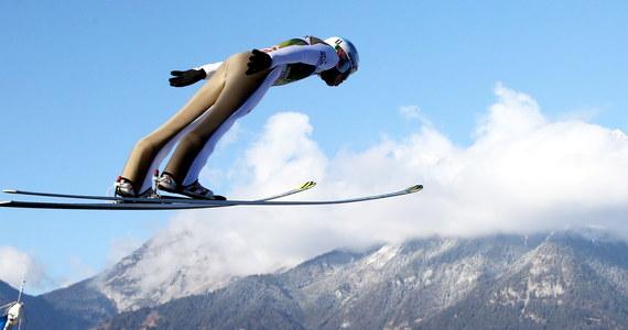 Dotychczasowy lider Turnieju Czterech Skoczni zajął czwarte miejsce w konkursie w Innsbrucku. Kamil Stoch skoczył w pierwszej serii na odległość 120,5 m. Drugą serię odwołano ze względu na silny wiatr.