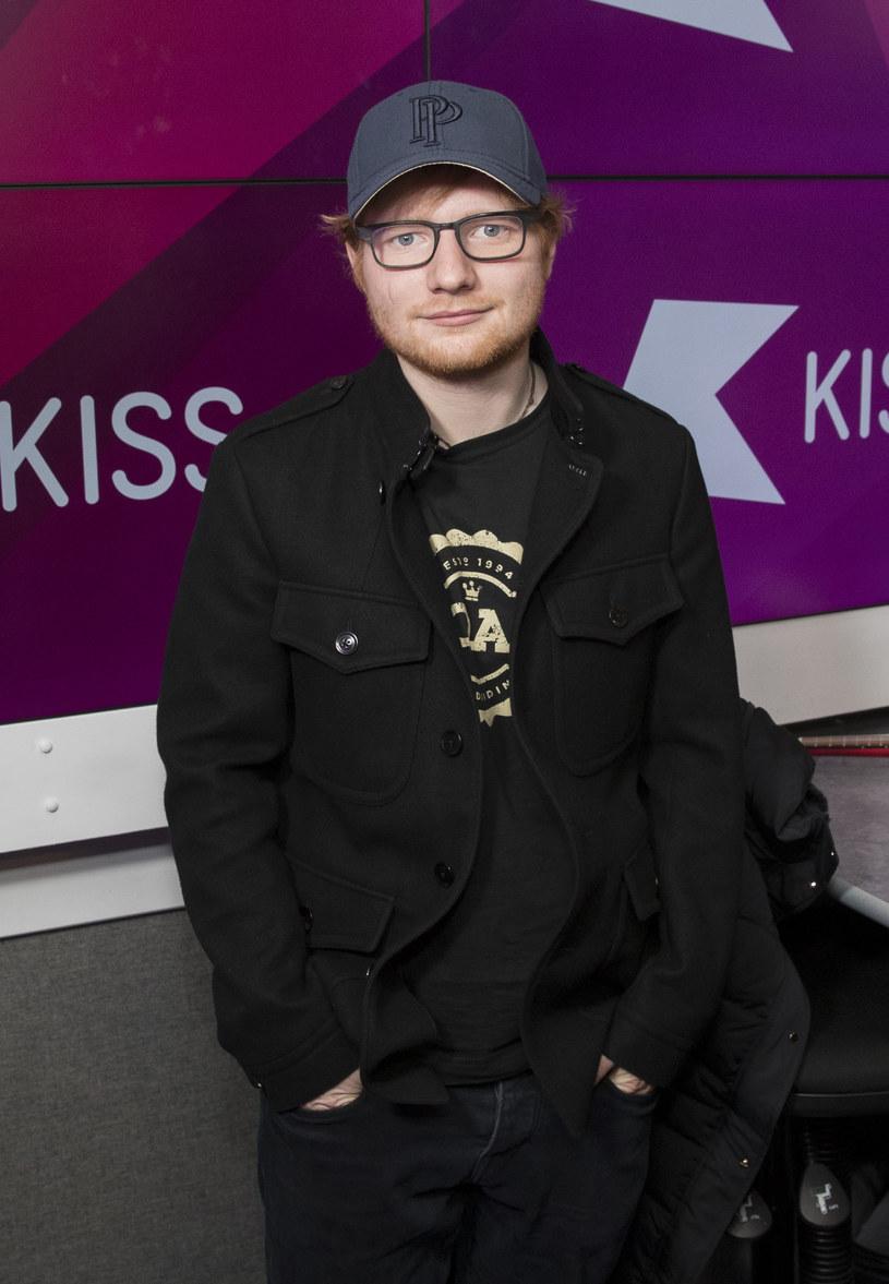 """6 stycznia Ed Sheeran wypuścił za jednym zamachem dwa nowe single: """"Castle on the Hill"""" oraz """"Shape Of You""""."""