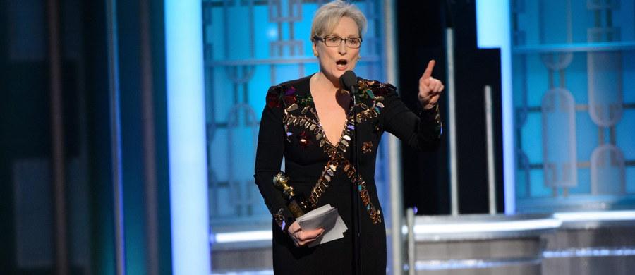 """Meryl Streep, nagrodzona Złotym Globem za całokształt twórczości, niemal całe swoje przemówienie podczas ceremonii przyznania tych nagród poświęciła ostrej krytyce zachowania przyszłego prezydenta USA Donalda Trumpa. Prezydent elekt odniósł się do jej wystąpienia na Twitterze. Skrytykował gwiazdę i nazwał ją """"przereklamowaną""""."""