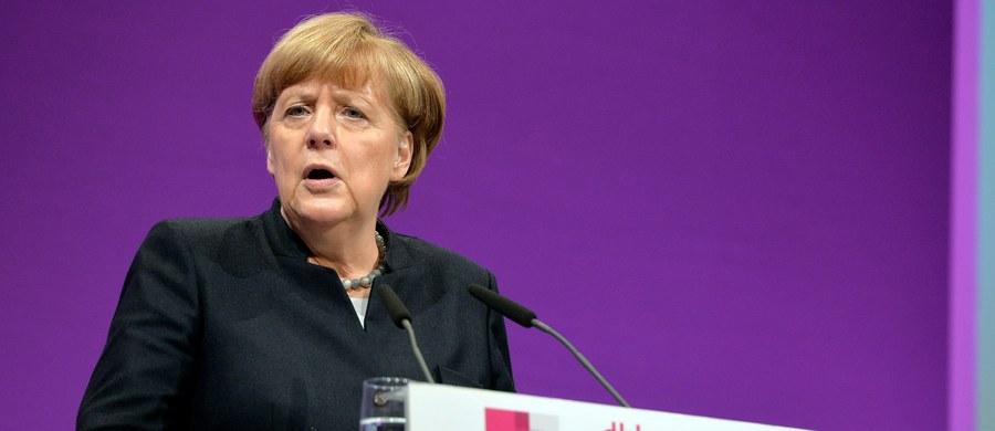 Kanclerz Niemiec Angela Merkel zapowiedziała, że będzie nadal zabiegała o europejską politykę azylową opartą na solidarności wszystkich krajów UE. Jej zdaniem Niemcy nie powinny jednak naciskać na partnerów, gdyż wcześniej same odrzucały kwoty.