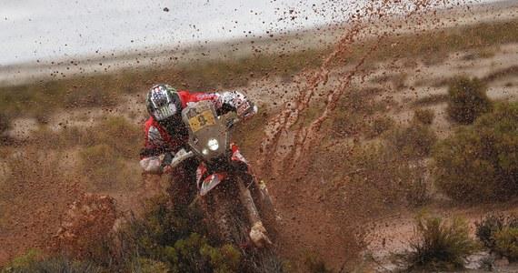 Amerykański motocyklista Ricky Brabec wygrał 7. etap Rajdu Dakar z La Paz do Uyuni o długości 801 km, w tym 161 km odcinka specjalnego. Adam Tomiczek uzyskał 15. czas, stracił do zwycięzcy 13.07 min.