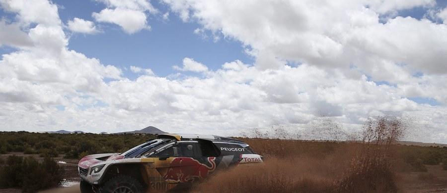 Francuz Stephane Peterhansel wygrał 7. etap Rajdu Dakar z La Paz do Uyuni o długości 801 km, w tym 161 km odcinka specjalnego, i umocnił się na pozycji lidera w rywalizacji kierowców samochodów. Jakub Przygoński miał 13. czas i w klasyfikacji generalnej jest ósmy.
