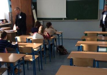 Zielona Góra: Protest przeciwko reformie edukacji. Uczniowie nie poszli do szkół