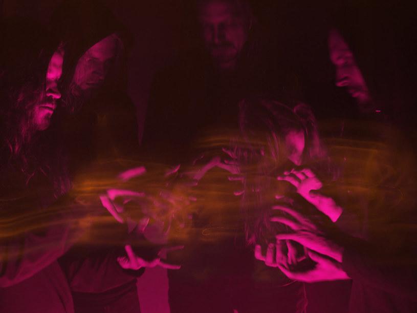 Blackmetalowi eksperymentatorzy z fińskiego Oranssi Pazuzu zagrają w połowie maja trzy koncerty w naszym kraju.
