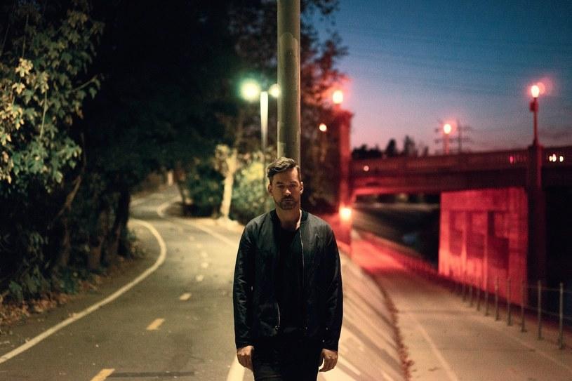"""Bonobo opublikował kolejny utwór z nadchodzącego albumu """"Migration"""". Tym razem, w piosence """"No Reason"""", usłyszeć możemy wokal Nicka Murphy'ego, znanego wcześniej jako Chet Faker."""