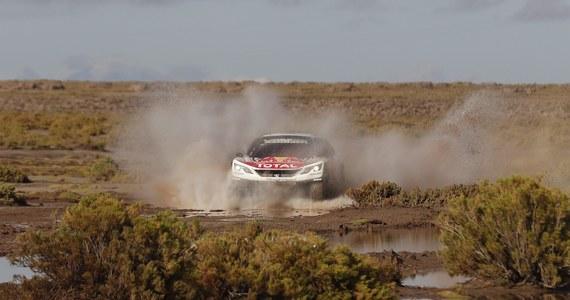 Dziewięciokrotny rajdowy mistrz świata Sebastien Loeb najszybciej pokonał trasę skróconego z 490 do 417 km ósmego odcinka specjalnego Rajdu Dakar z Uyuni w Boliwii do Salty w Argentynie. Francuz objął prowadzenie w gronie kierowców samochodów. Ósme miejsce utrzymał Jakub Przygoński.