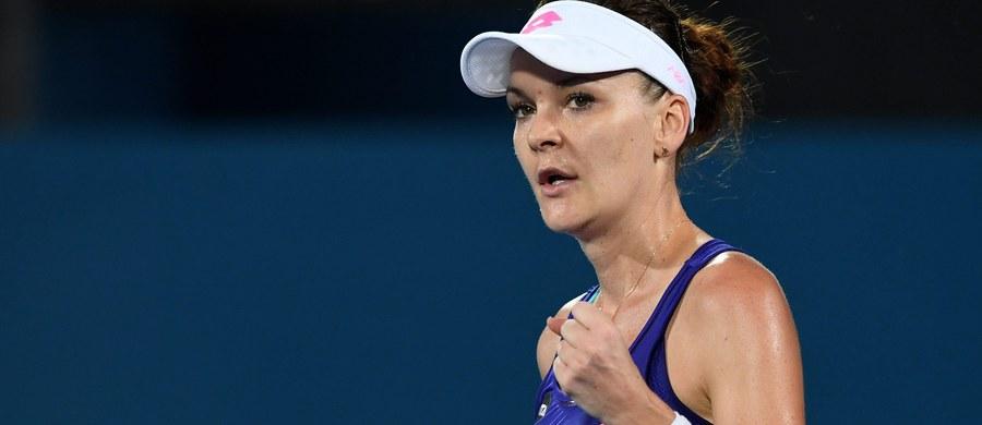 Agnieszka Radwańska awansowała do półfinału turnieju WTA Premier na kortach twardych w Sydney (pula nagród 776 tys. dol.). Polska tenisistka pokonała chińską zawodniczkę Ying-Ying Duan 6:3, 6:2.