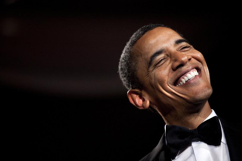 Ustępujący prezydent Barack Obama we wtorek (10 stycznia) w Chicago wygłosił swoje pożegnalne wystąpienie. Piastowanie urzędu prezydenta Stanów Zjednoczonych przez Obamę dobiega końca, więc to dobry czas na wszelkie podsumowania. My postanowiliśmy przypomnieć związki polityka ze światem muzyki, a tych w trakcie jego dwóch kadencji było całkiem sporo.