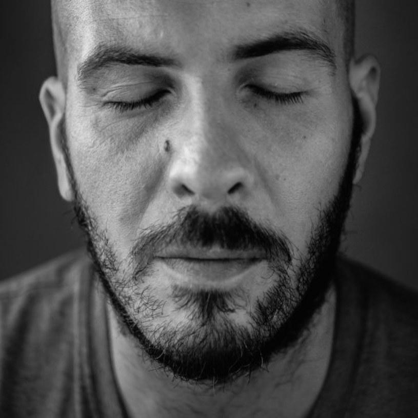 """Związek Producentów Audio-Video opublikował roczne zestawienie OLiS podsumowujące 2016 rok. Na pierwszym miejscu znalazł się album  """"Życie po śmierci"""" O.S.T.R., którego sprzedaż w Polsce przekroczyła niedawno 100 tysięcy egzemplarzy."""