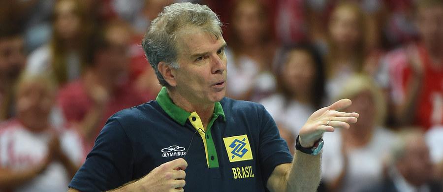 Selekcjoner siatkarskiej reprezentacji Brazylii Bernardo Rezende po 16 latach zrezygnował z pracy z kadrą - poinformowała tamtejsza federacja. To on doprowadził zespół narodowy m.in. do dwóch złotych medali olimpijskich - w 2004 i 2016 roku. Zastąpi go Renan Dal Zotto.