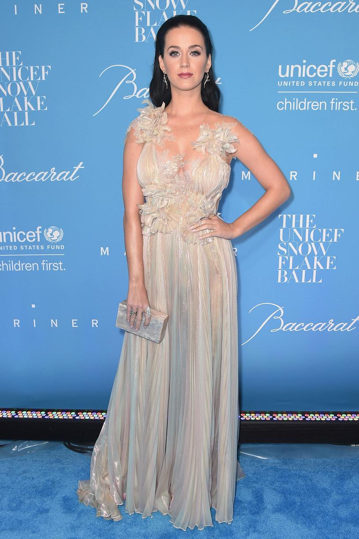 Katy Perry zaskoczyła swojego partnera, Orlando Blooma, organizując mu huczną imprezę z okazji jego 40. urodzin.