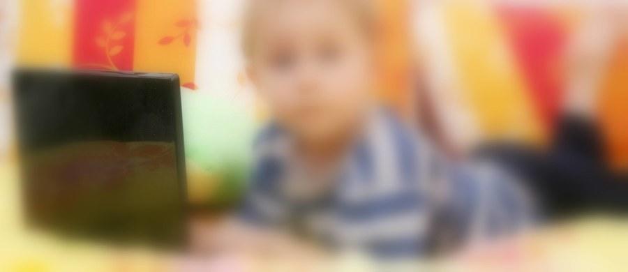Groźny pedofil działający w Małopolsce został zatrzymany w Wieliczce - dowiedzieli się dziennikarze RMF FM. Mężczyzna mógł kontaktować się przez internet ze 150 dzieci.