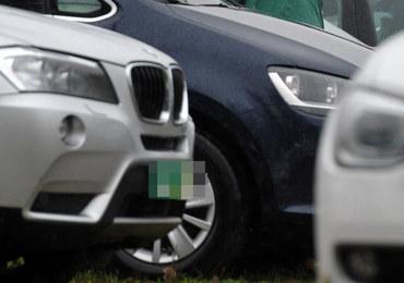 CBŚP zatrzymało fałszerzy dokumentów aut. Nawet kilkuset poszkodowanych