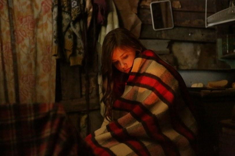 """Forst, który rezygnuje z wygodnego życia, by zamieszkać w lesie - to grany przez Krzysztofa Majchrzaka główny bohater """"Lasu, 4 rano"""", najnowszego filmu Jana Jakuba Kolskiego. Produkcja, którą reżyser dedykował swojej zmarłej córce, wejdzie w piątek, 20 stycznia, do kin."""