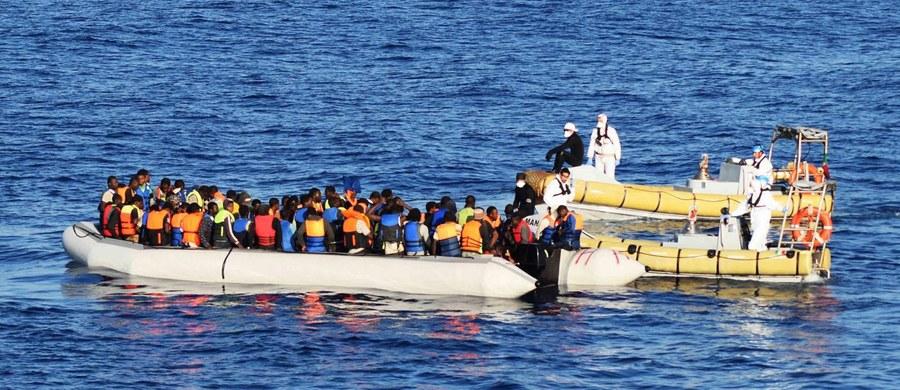 Około 180 migrantów zginęło u wybrzeży Libii na Morzu Śródziemnym w piątek - wynika z relacji czterech uratowanych osób. Do tragedii doszło w piątek. Rozbitkowie są na Sycylii, gdzie opowiedzieli o katastrofie łodzi psychologom i działaczom organizacji Lekarze bez Granic.