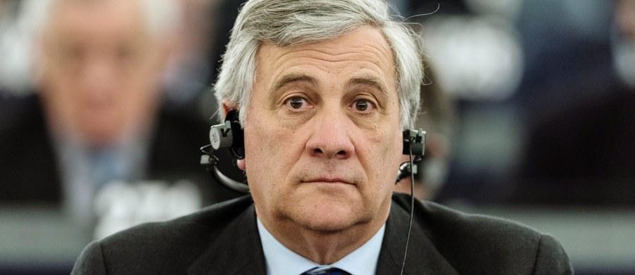 Parlament Europejski wybrał nowego przewodniczącego. Martina Schulza - sprawującego tę funkcję przez ostatnie pięć lat - zastąpi kandydat Europejskiej Partii Ludowej Antonio Tajani. Wybór został dokonany dopiero w czwartej turze głosowania. Jego kontrkandydatem był Gianni Pittella. Wybór nowego przewodniczącego Parlamentu Europejskiego relacjonowaliśmy dla Was minuta po minucie!