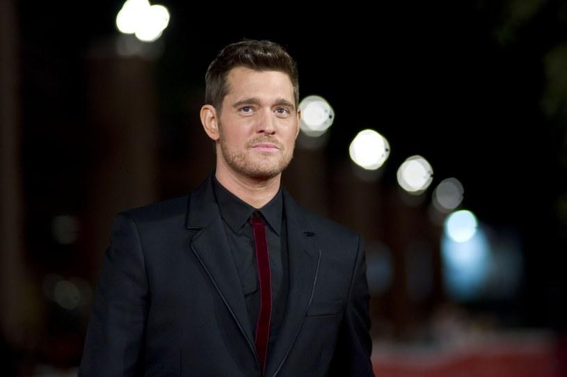 W związku z chorobą (rak wątroby) swojego 3-letniego syna, Michael Buble odwołał udział w gali Brit Awards, której miał być prowadzącym.